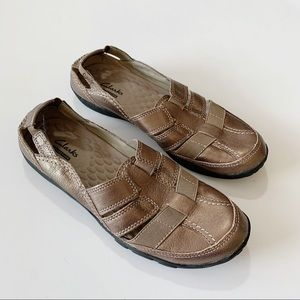 Clarks Collection Gold Metallic Leather Flat 8M